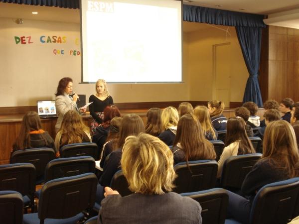 Palestrando para alunos de uma escola