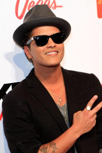 Bruno Mars desmente ser Gay