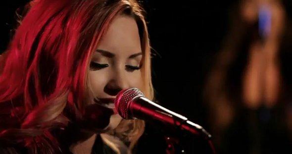 Demi Lovato lança versão acústica de Give Your Heart a Break