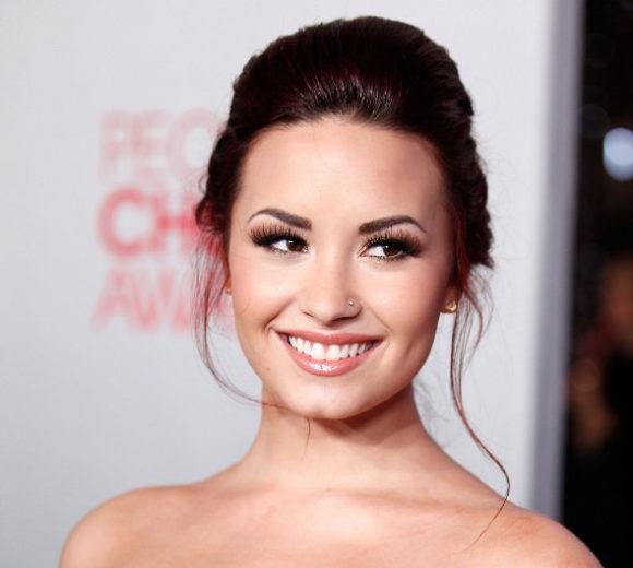 Demi Lovato fala sobre experiência com drogas