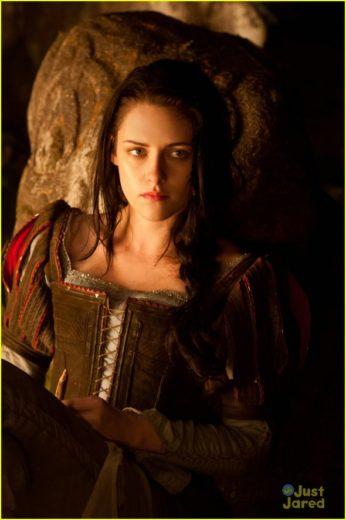 Kristen Stewart como Branca de Neve