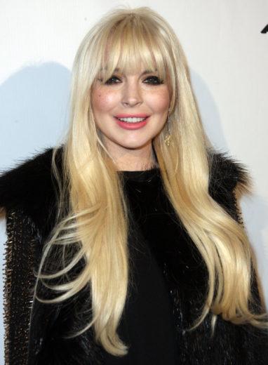 Lindsay Lohan chega à gravação de Glee com três horas de atraso