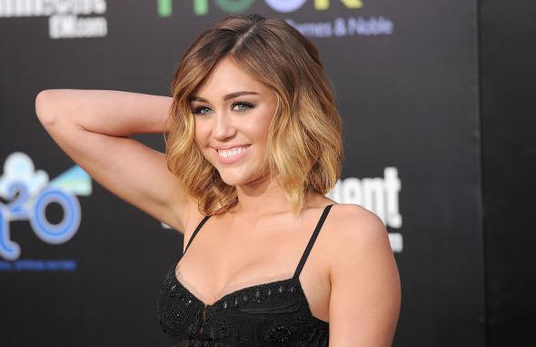 Miley Cyrus e Justin Bieber vão realizar desejos ao redor do mundo!