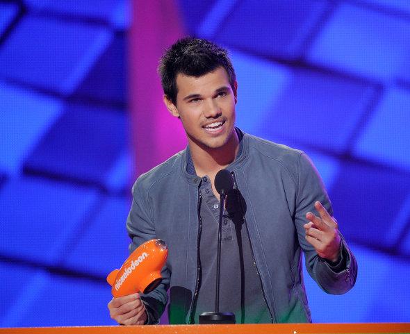 """Taylor Lautner vai participar de """"Gente Grande 2"""""""