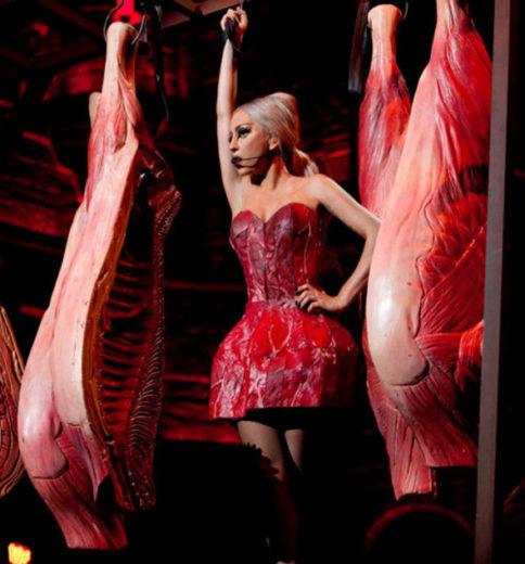 Lady Gaga Cria Novo Vestido De Carne Para Turnê Todateen
