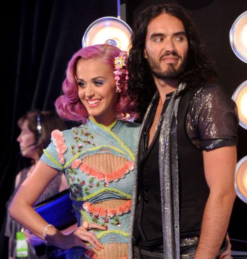 Katy Perry vai contar tudo sobre o divórcio!