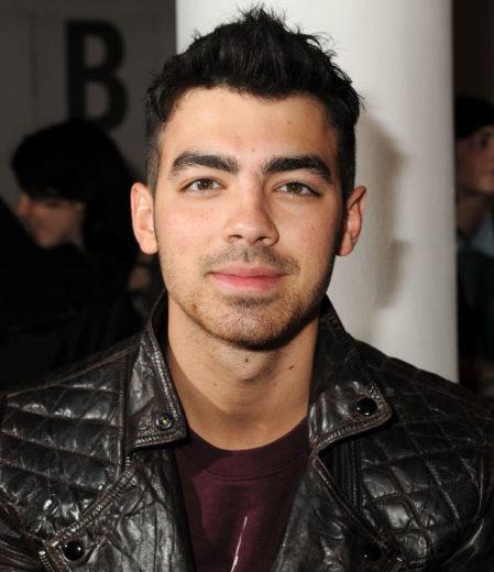 Joe Jonas quer tomar refrigerante em saquinho plástico! *-*