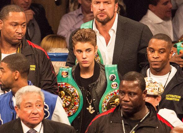Justin Bieber vai à luta de boxe em Las Vegas