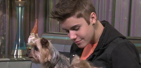 Justin Bieber grava vídeo para ajudar Ryan Seacrest