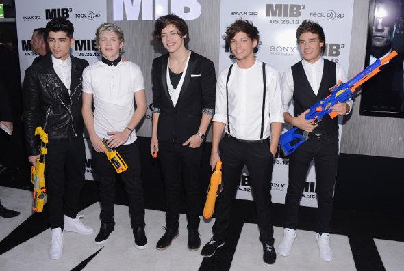One Direction vai à première de Homens de Preto III