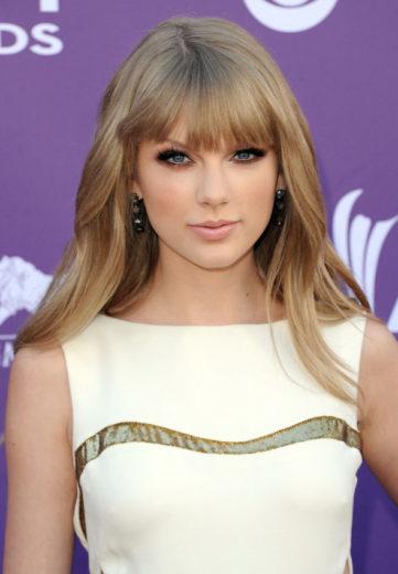 Taylor Swift doa cerca de 8 milhões de reais a Hall da Fama Country