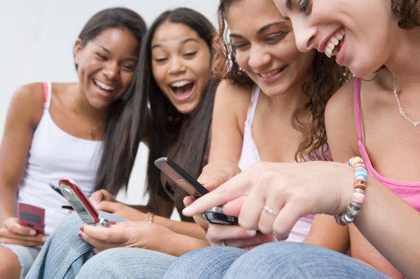 Como flertar com o garoto via SMS
