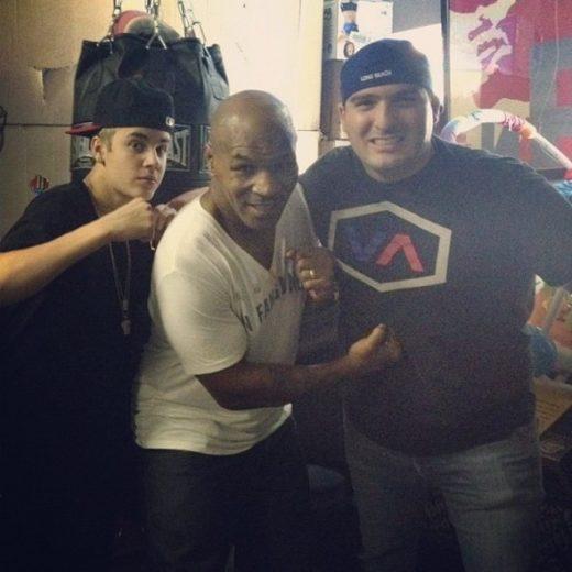 Justin Bieber lutou boxe com Mike Tyson antes de brigar com fotógrafo