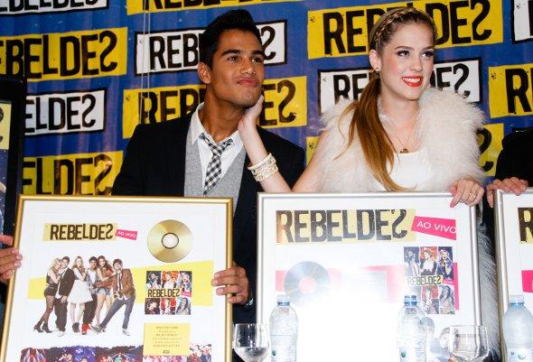 Rebeldes ganham discos de Ouro e Platina