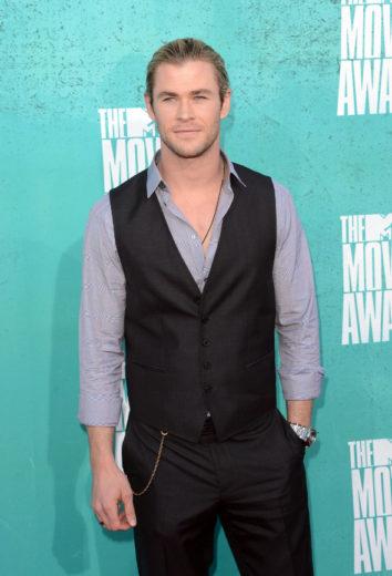 Chris Hemsworth fala sobre noivado de Liam e Miley