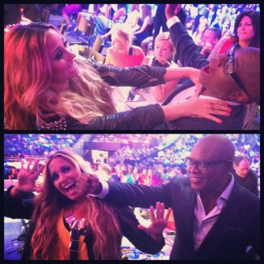 Demi Lovato estrangula colega de trabalho!