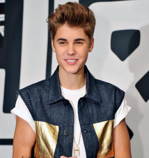 """Justin se declara a Selena: """"Foi o melhor beijo da minha vida"""""""