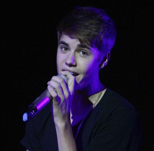 """Justin Bieber assume que gravou """"Maria"""" para suposta mãe de seu filho"""