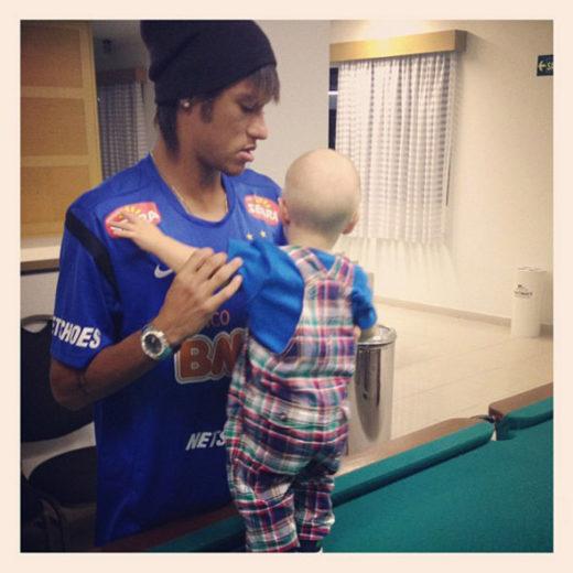 Neymar comemora o Dia dos Namorados com o filho! *-*