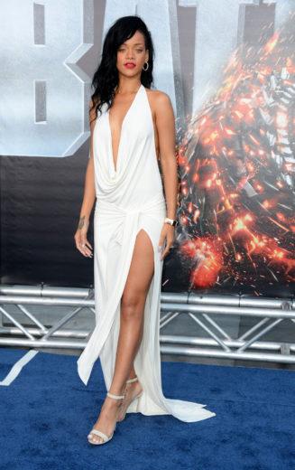 Rihanna diz que está magra demais