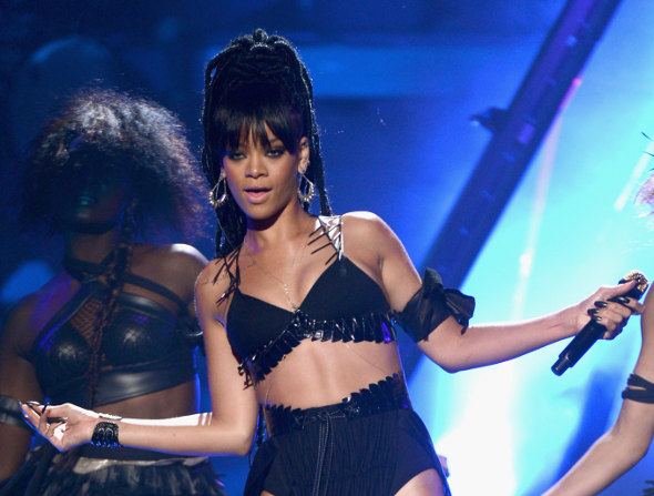 Rihanna era nerd e gostava de procurar óvnis!