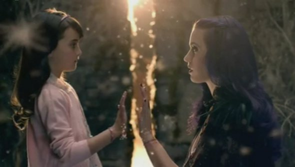 """Uhul! Vaza clipe de """"Wide Awake"""", nova música de Katy Perry!"""