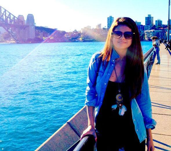 Selena Gomez posta foto de viagem à Austrália