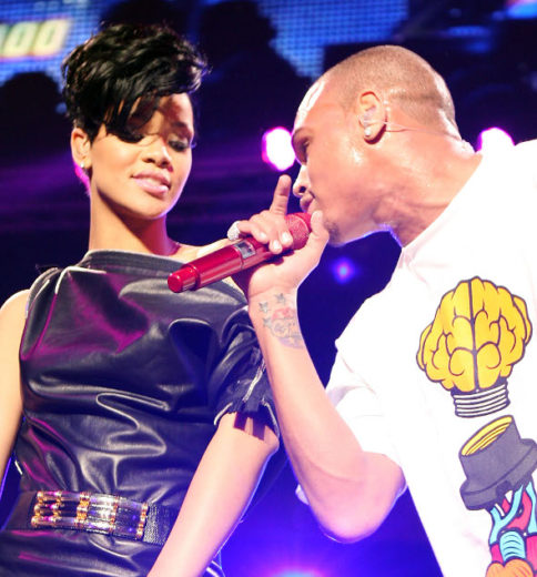Chris Brown desmente noite de amor com Rihanna