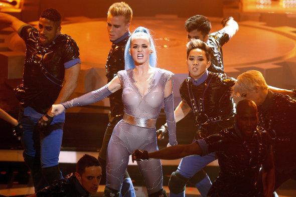 Participe do desafio que te leva para dançar com os coreógrafos de Katy Perry!
