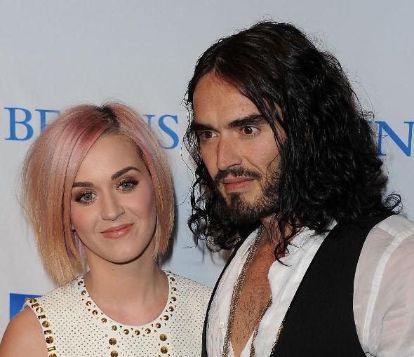 Ex-marido de Katy Perry reclama de sexo com a cantora!