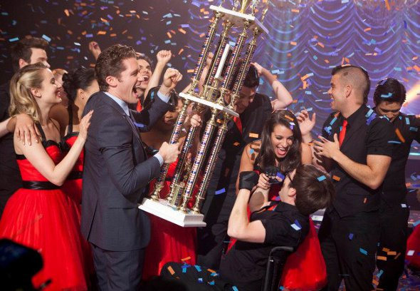 "Elenco de ""Glee"" estará completo na 4ª temporada"