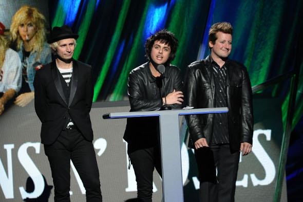 "Ouça ""Oh Love"", nova música do Green Day"