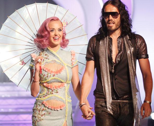 Divórcio de Katy Perry e Russell Brand é finalmente oficializado