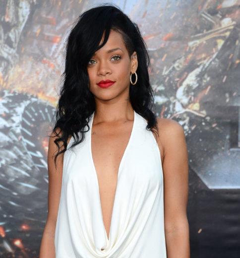 Rihanna faz homenagem para avó no Twitter