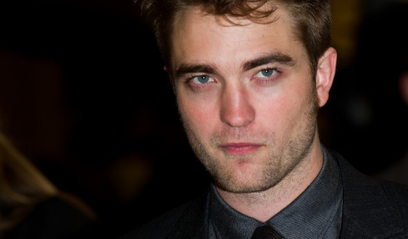 Após descobrir traição, Robert Pattinson deixa casa onde morava