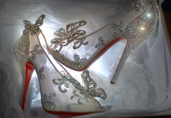 Sapatinhos de cristal da Cinderela ganham vida!