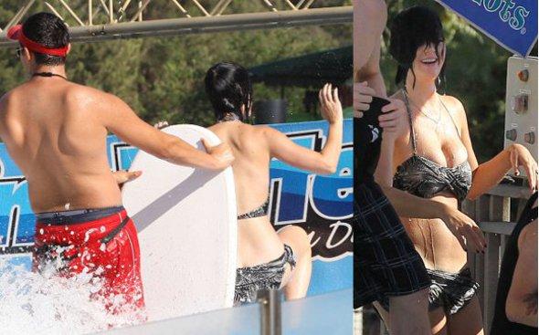 Katy Perry deixa o bumbum à mostra!