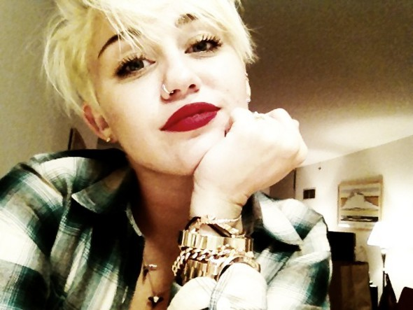 Miley Cyrus lança nova música!