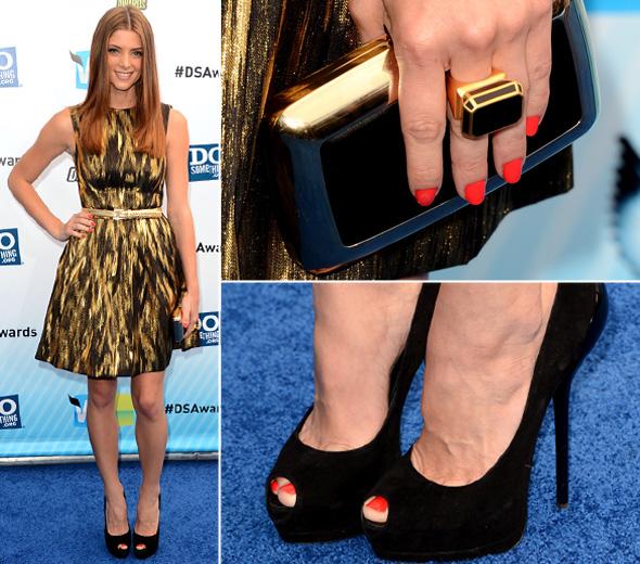 Ashley Greene usa vestido de oncinha Michael Kors no Do Something Awards