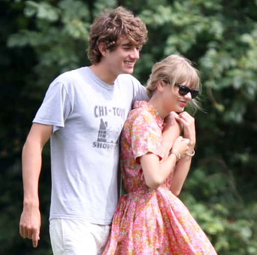 Taylor Swift contrata jatinho para buscar o namorado