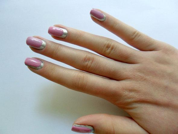 Aprenda a fazer as unhas no estilo Border Nail