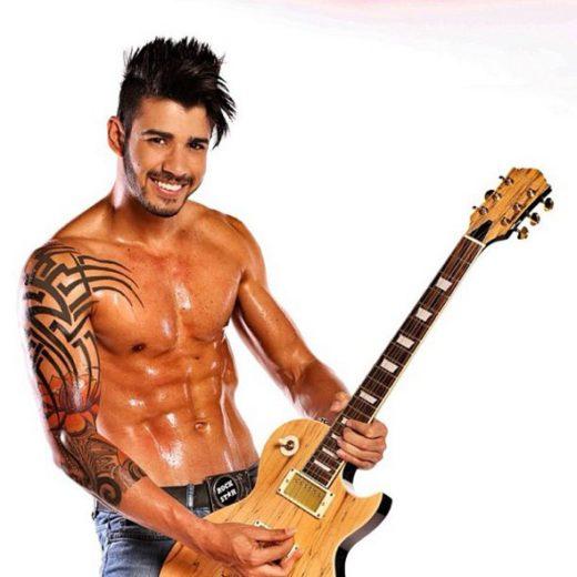 Gusttavo Lima dedica corpo sarado às fãs *-*