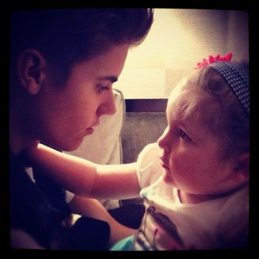 Justin Bieber faz homenagem a fã que morreu de câncer
