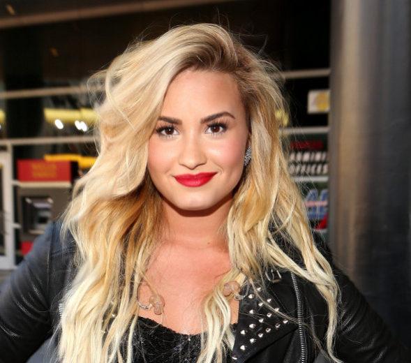 O passo a passo da maquiagem de Demi Lovato no VMA 2012