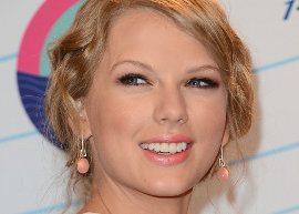 """Taylor Swift lança clipe de """"We Are Never Ever Getting Back Together"""""""