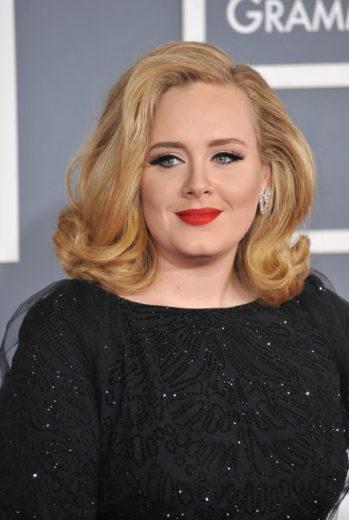 Divulgada nova música de Adele Skyfall
