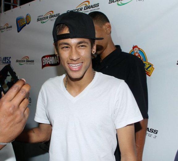 Neymar garante que está solteiro!