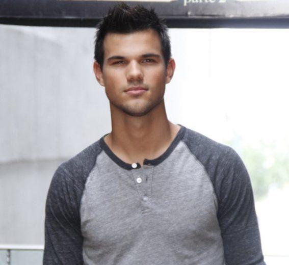 Taylor Lautner fala sobre cenas sem camisa!