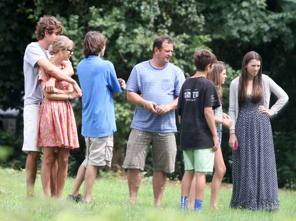Família de Conor Kennedy seria contra namoro com Taylor Swift