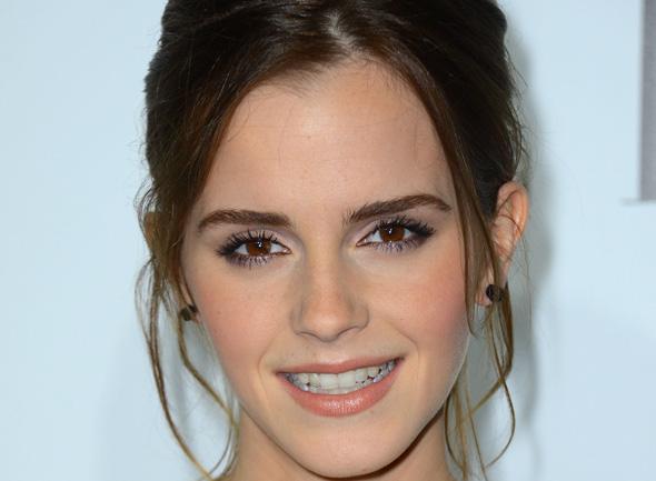 Emma Watson ajuda vítimas do furacão Sandy - Emma Watson